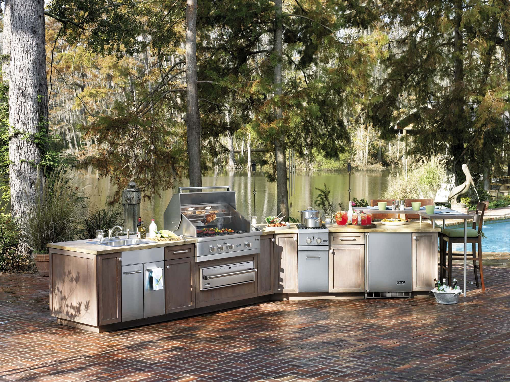 Top outdoor kitchens for every budget for Viking outdoor cabinets